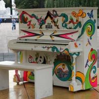 Al Bosque de Chapultepec le regalaron un piano.