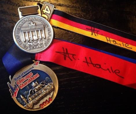 medallas con firma de Haile
